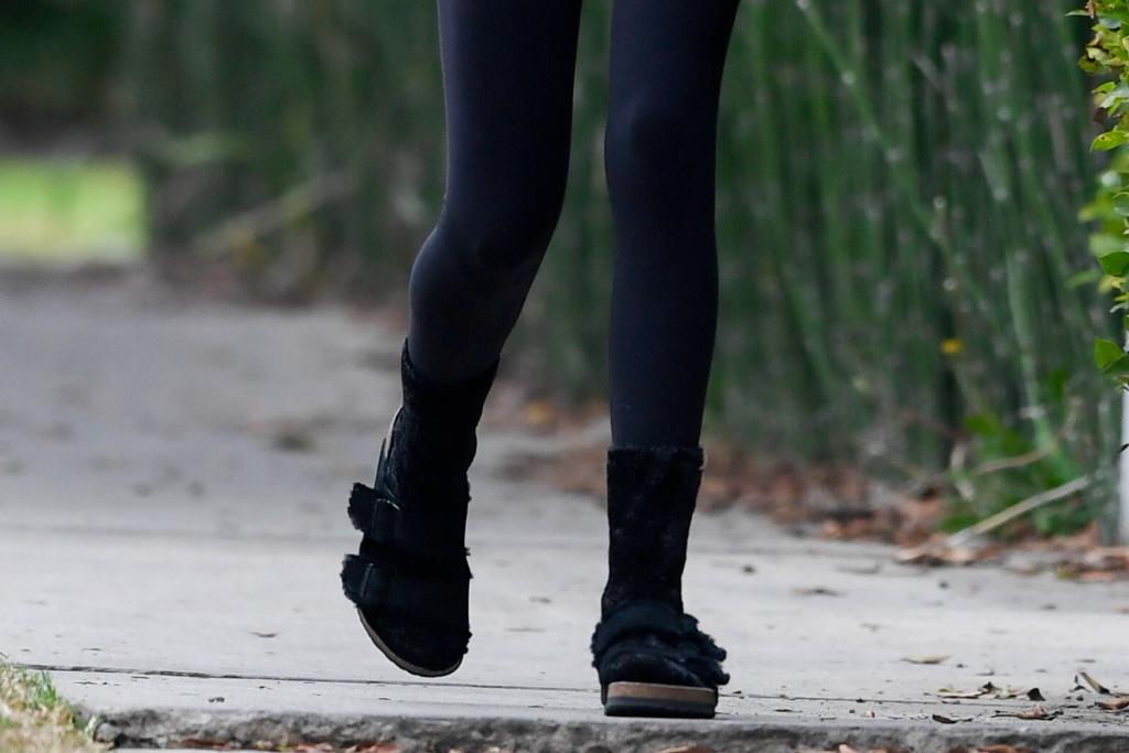 kaia gerber, ugly sandal, birkenstock