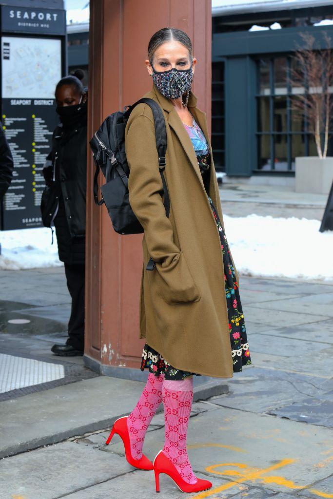 sarah-jessica-parker-gucci-socks-heels