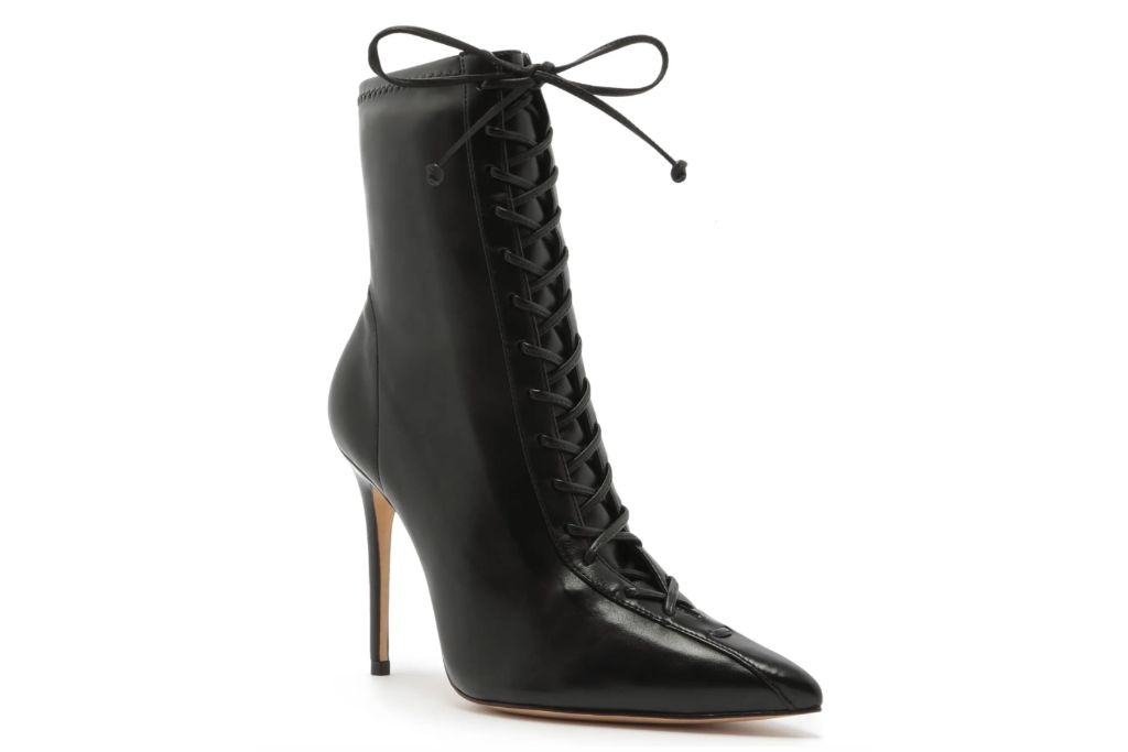 schutz, tennie pointed toe lace-up boot