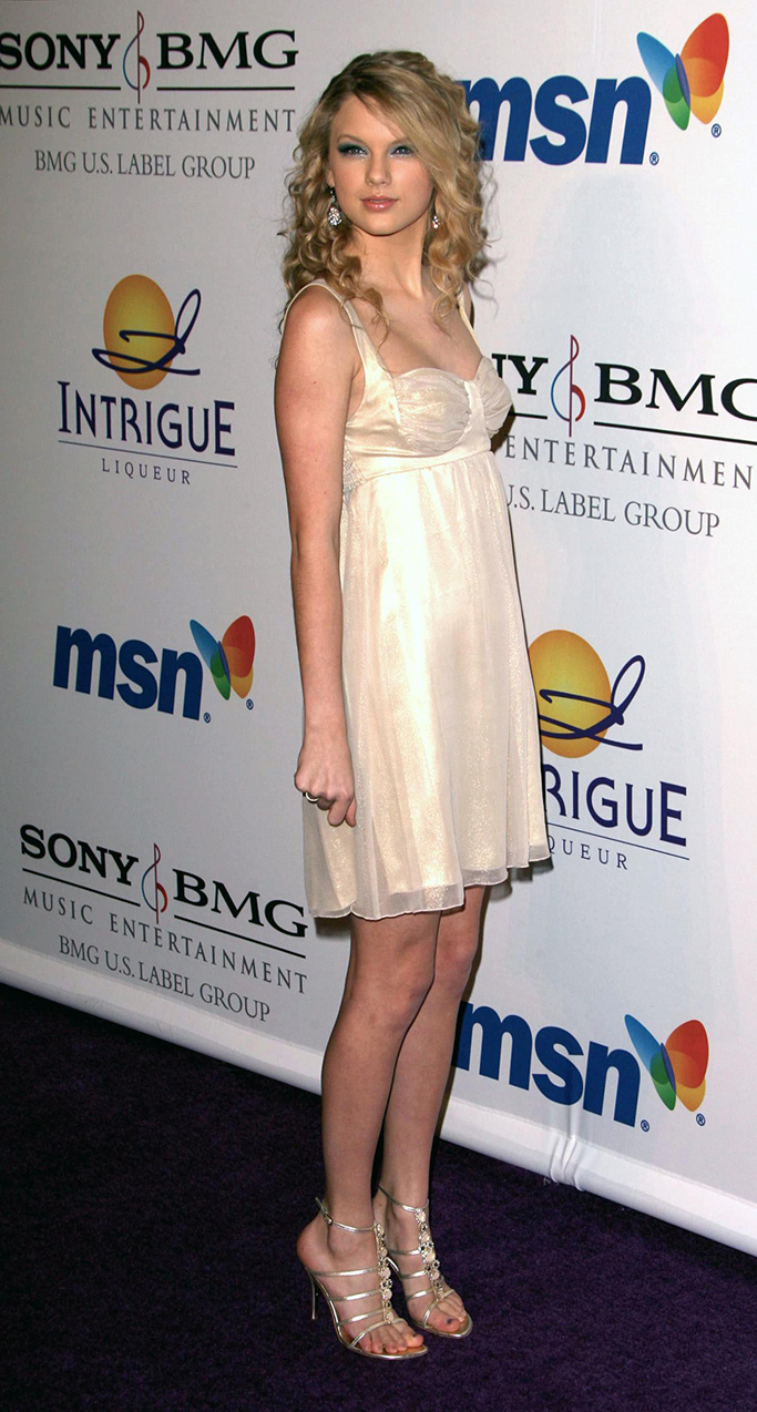 Photos © 2008 The Grosby Group - Beverly Hills, February 09, 20082008 Clive Davis Pre-GRAMMY Party held at the Beverly Hilton Hotel.In this photo: Taylor SwiftPGrfj6 (Mega Agency TagID: MEGAR108716_3.jpg) [Photo via Mega Agency]