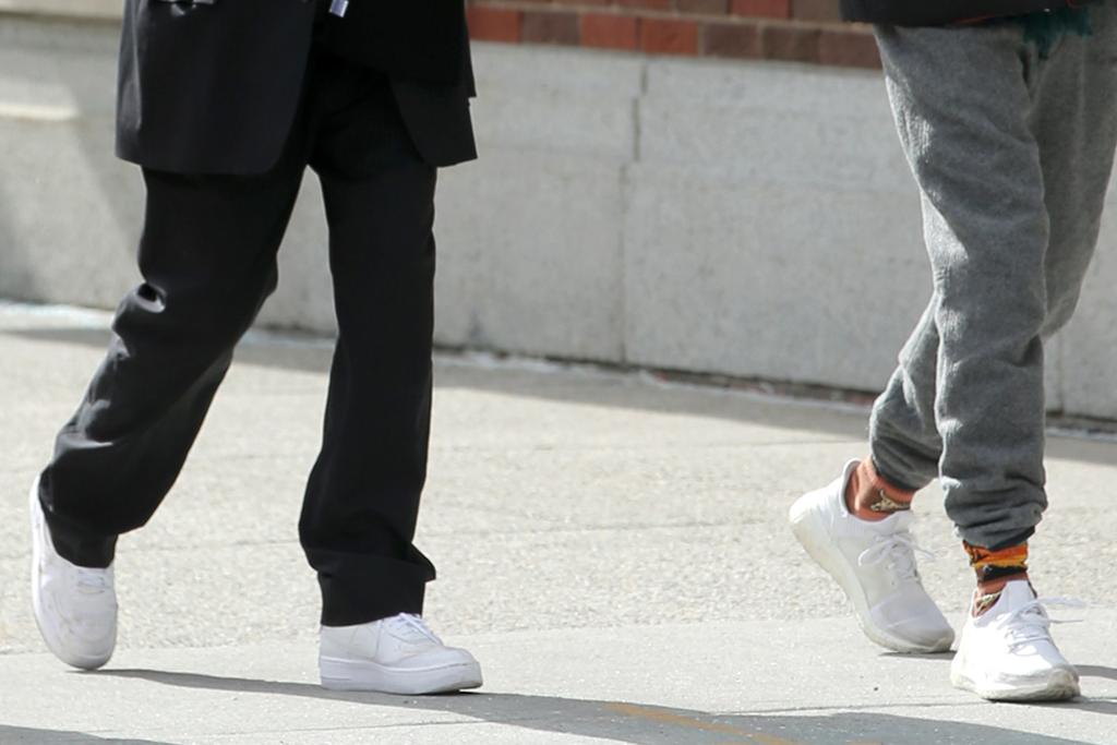 timothée chalamet, sweatpants, jacket, hat, sneakers, adidas, emily ratajkowski, pregnant, new york, sneakers, husband
