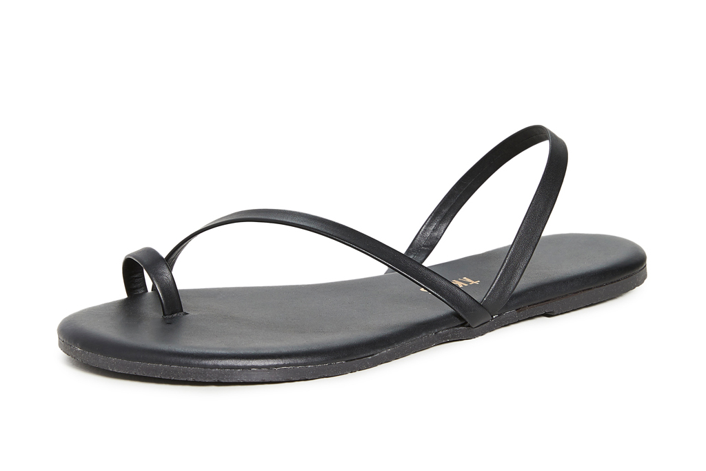 black sandals, flat, thin strap, tkees