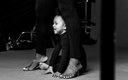 Behind the Scenes: Serena Williams & Daughter Olympia Play Dress Up for Stuart Weitzman's Spring '21 Campaign