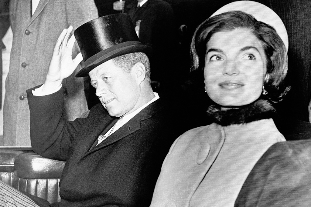 jacqueline kennedy and jfk, jacke o pillbox hat, inauguration day 1960