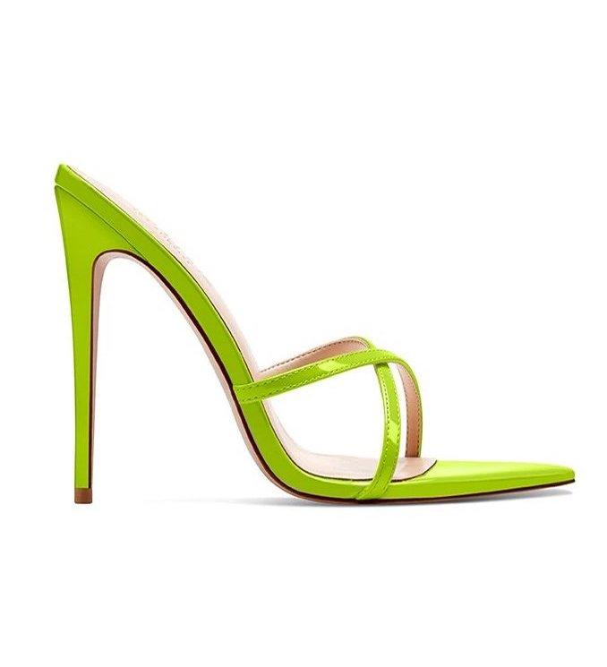 Femme La, Green mules