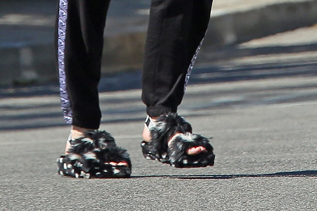 anya taylor-joy shoes, anya taylor-joy 2021, anya taylor-joy style