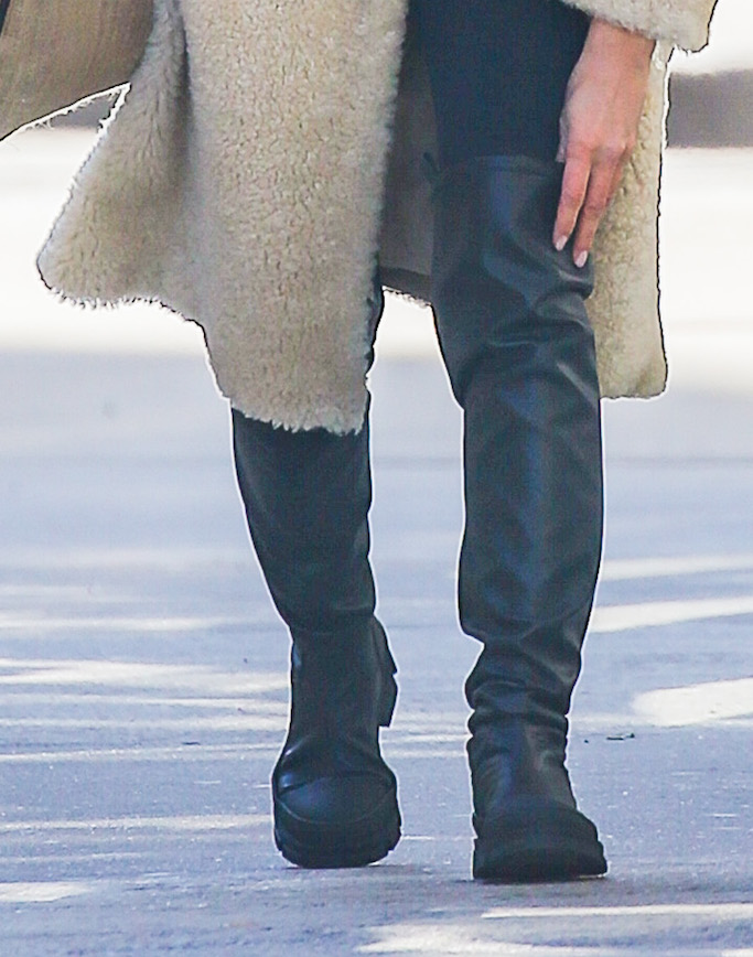 Irina Shayk , lug sole boots