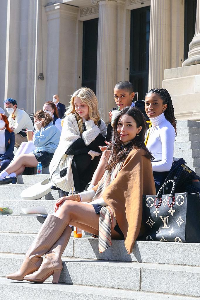 Emily Ayn Lind, Jordan Alexander, Savannah Smith and Zión Moreno, gossip girl 2021