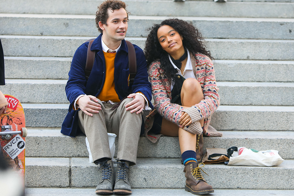 Eli Brown and Whitney Peak, gossip girl 2021, gossip girl shoes