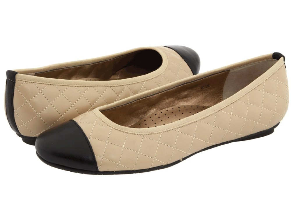 Flats with arch support, Vaneli Serene Flat
