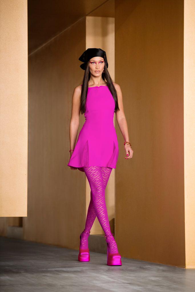 versace, versace fall 2021, fall 2021, mfw, milan fashion week, versace shoes, versace platforms, platform shoes, shoes, fashion, fall 2021 trends, versace fashion