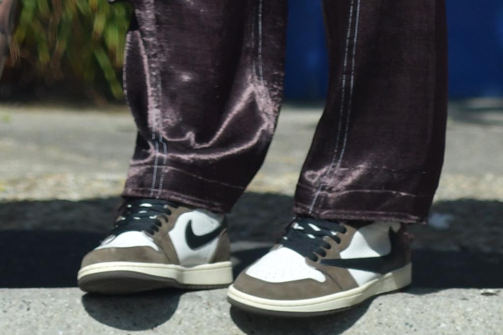 adam levine, behati prinsloo, silk pants, t-shirt, sweater, cardigan, sneakers, nike, air jordan, date, santa barbara