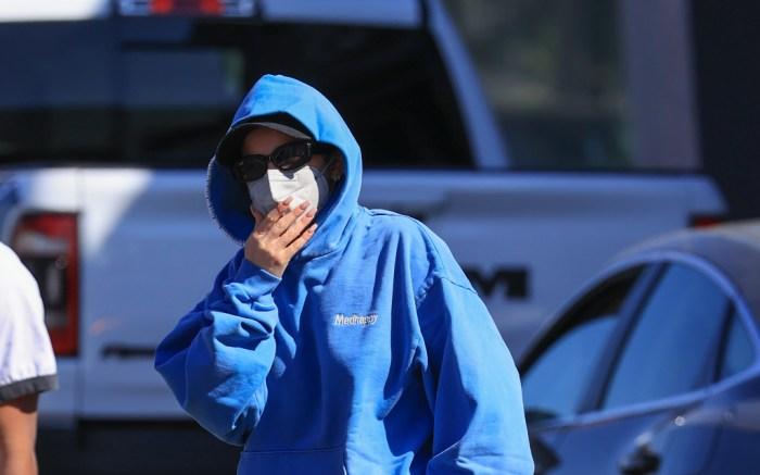 addison-rae-blue-sweatsuit-1