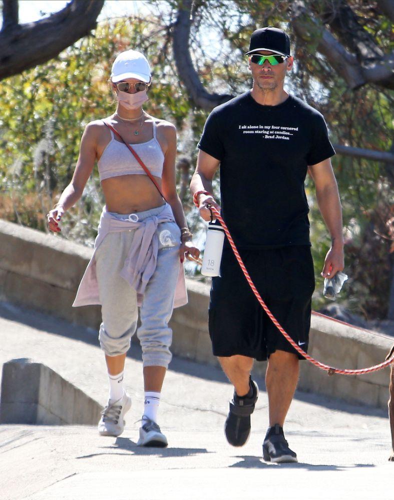 alessandra ambrosio, sports bra, hike, workout, sweatpants, alo yoga, sweatshirt, hat, boy, los angeles