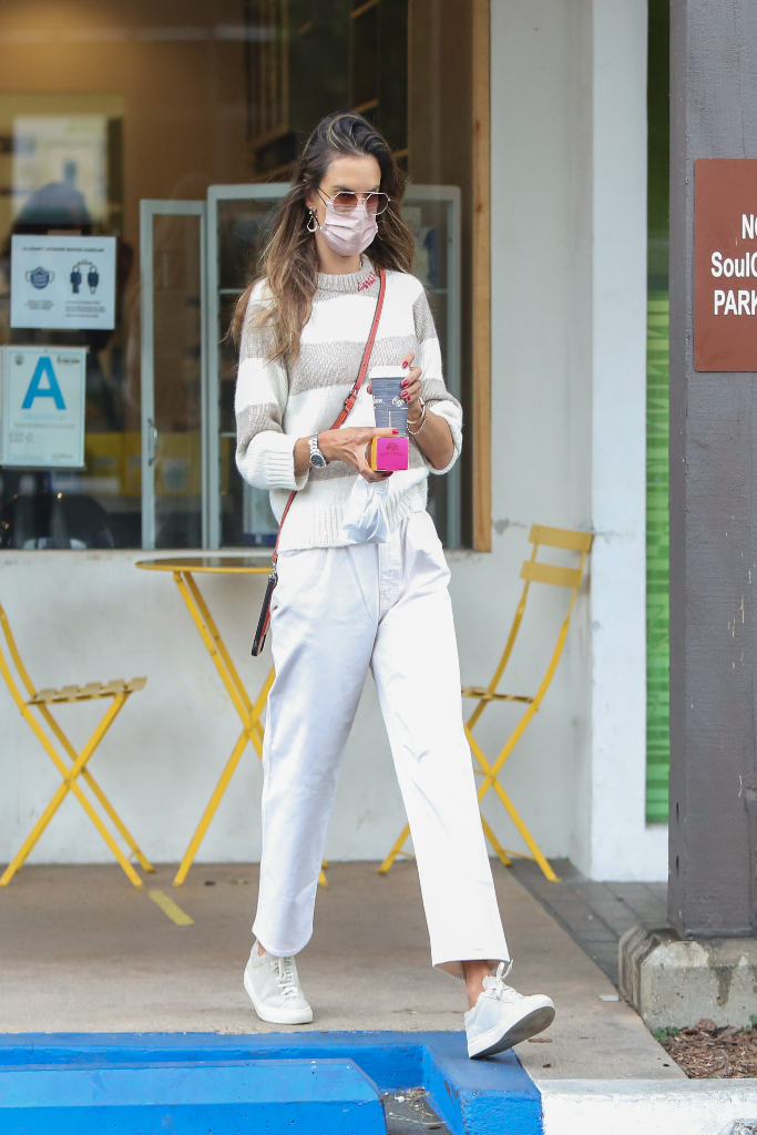 Alessandra Ambrosio, sweater, white jeans, sneakers