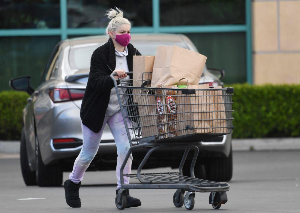 ariel winter, sweatpants, tie-dye, sweatshirt, jacket, boots, ugg, grocery store, shop, los angeles