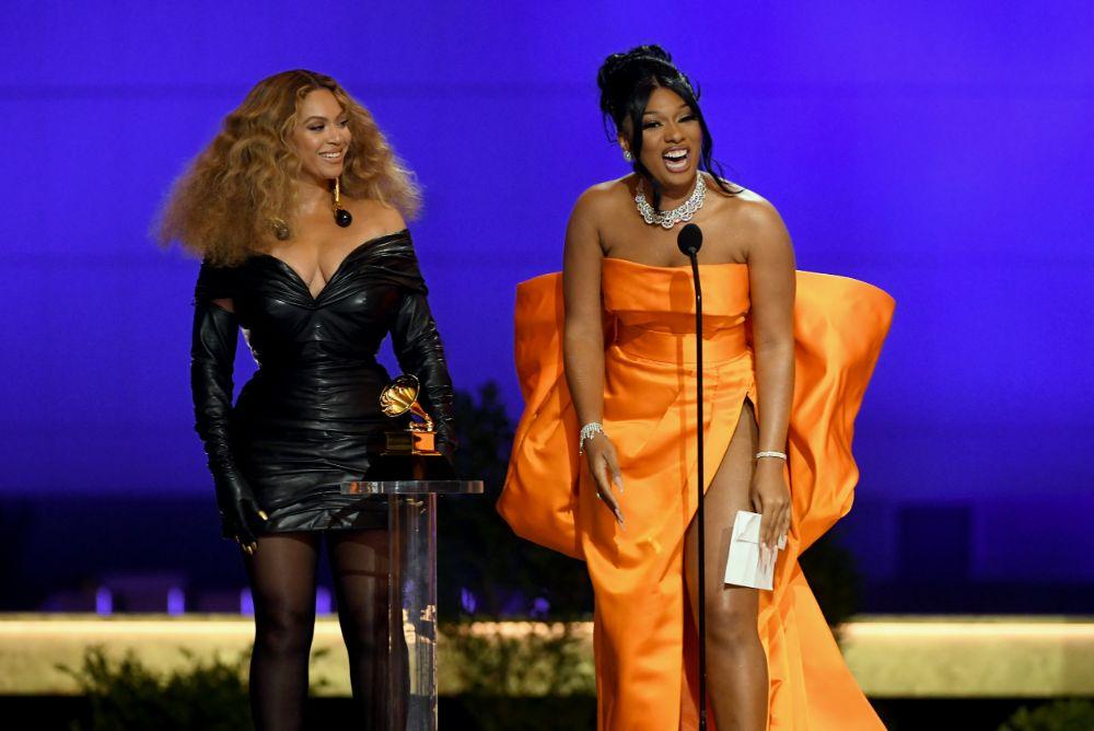 beyoncé, dress, grammy awards, leather dress, tights, heels