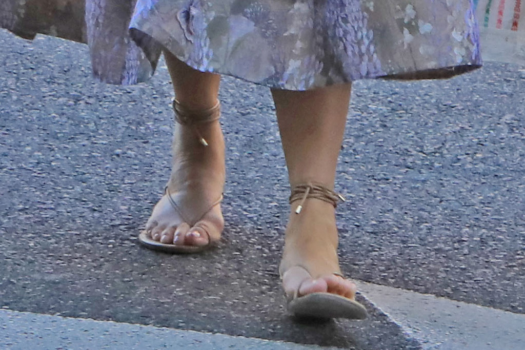 chrissy teigen, skirt, bralette, luna, miles, john legend, sandals, thong sandals, lunch, los angeles, family