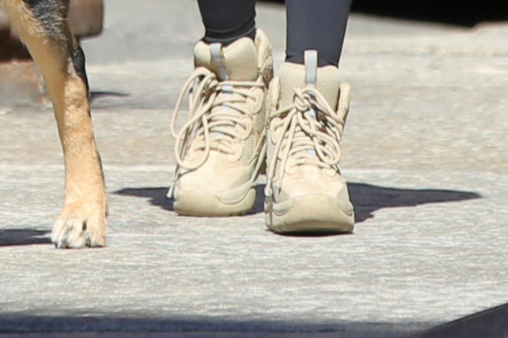 Emily Ratajkowski, Yeezy Desert Boot, New york City