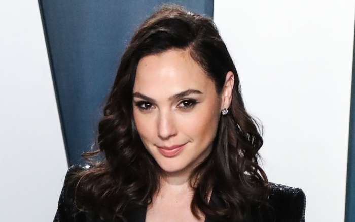 gal gadot, shirt, pants, critics choice