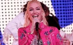 gwen stefani, pink jacket, pants, glitter,
