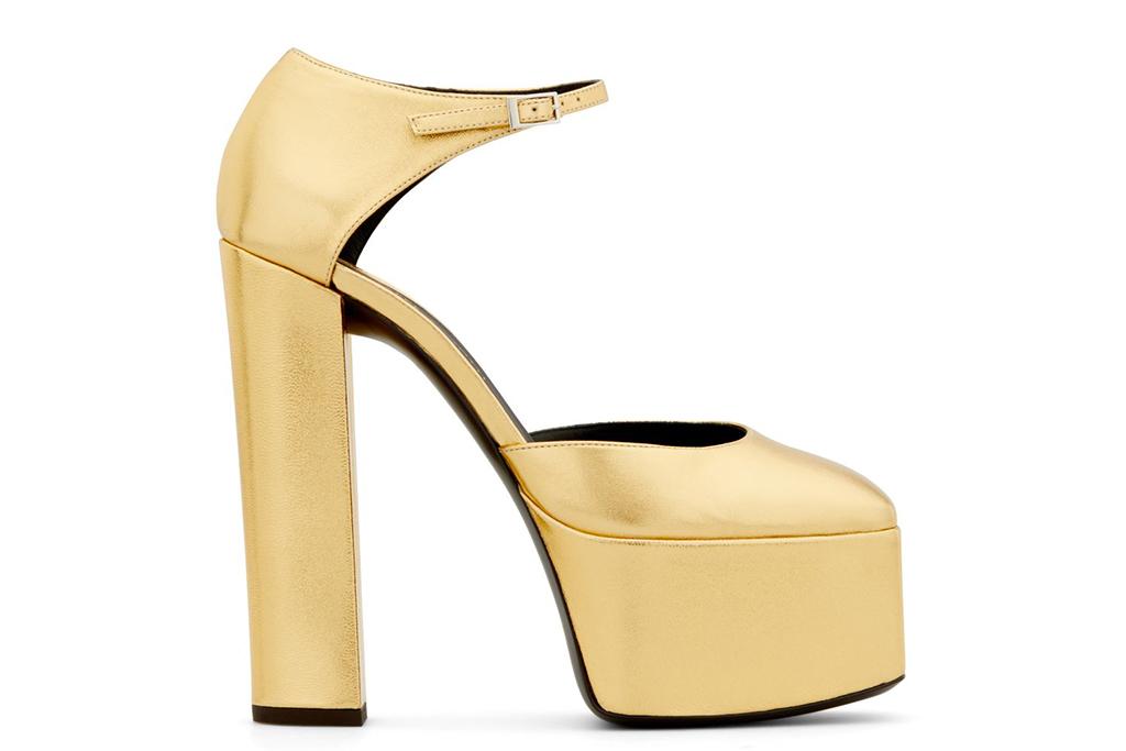 giuseppe zanotti gold platforms, noah cyrus grammy awards, gold platform heels