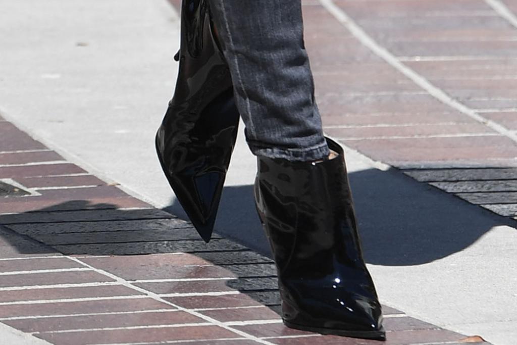 heidi klum, black booties, patent leather boots