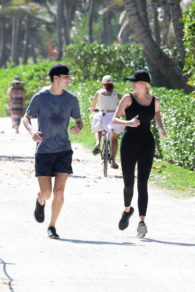 ivanka trump, leggings, tank top, workout, run, hat, miami, jared kushner, sneakers
