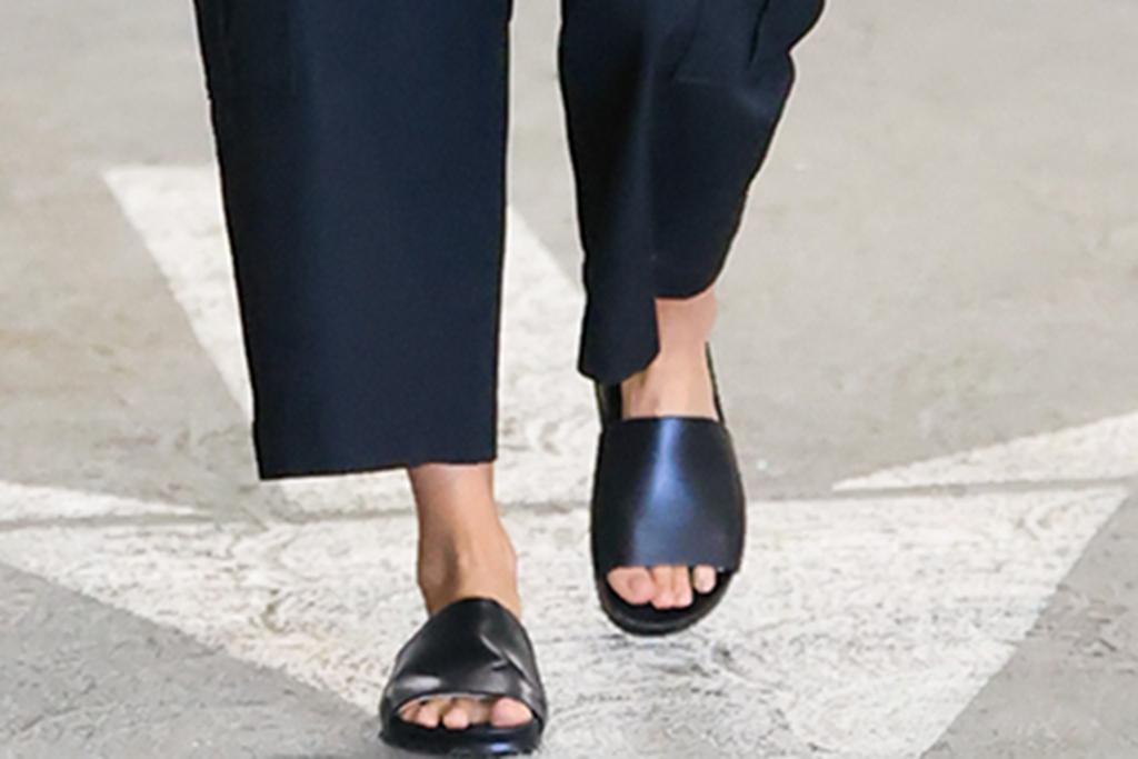 jessica alba sandals, leather slides, black sandals