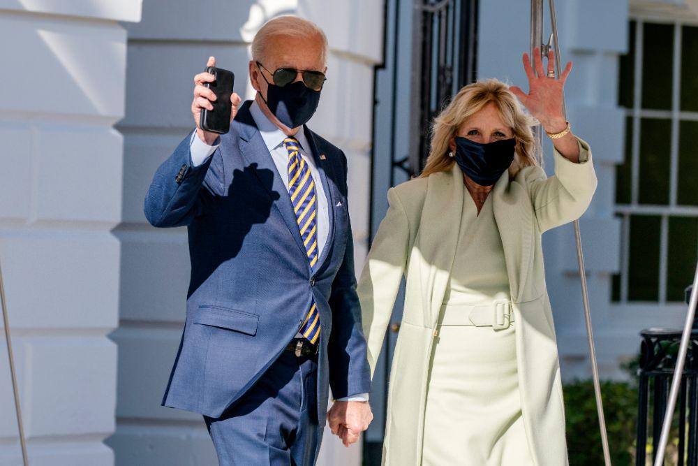jill biden, green dress, coat, delaware, air force one, joe biden, heels, gray pumps, white house