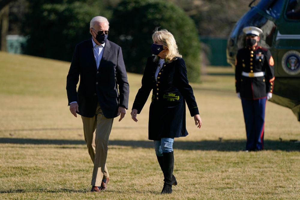 jill biden, skinny jeans, boots, knee-high bootss, shirrt, coat, camp david, president biden, joe biden, washington dc, marine one