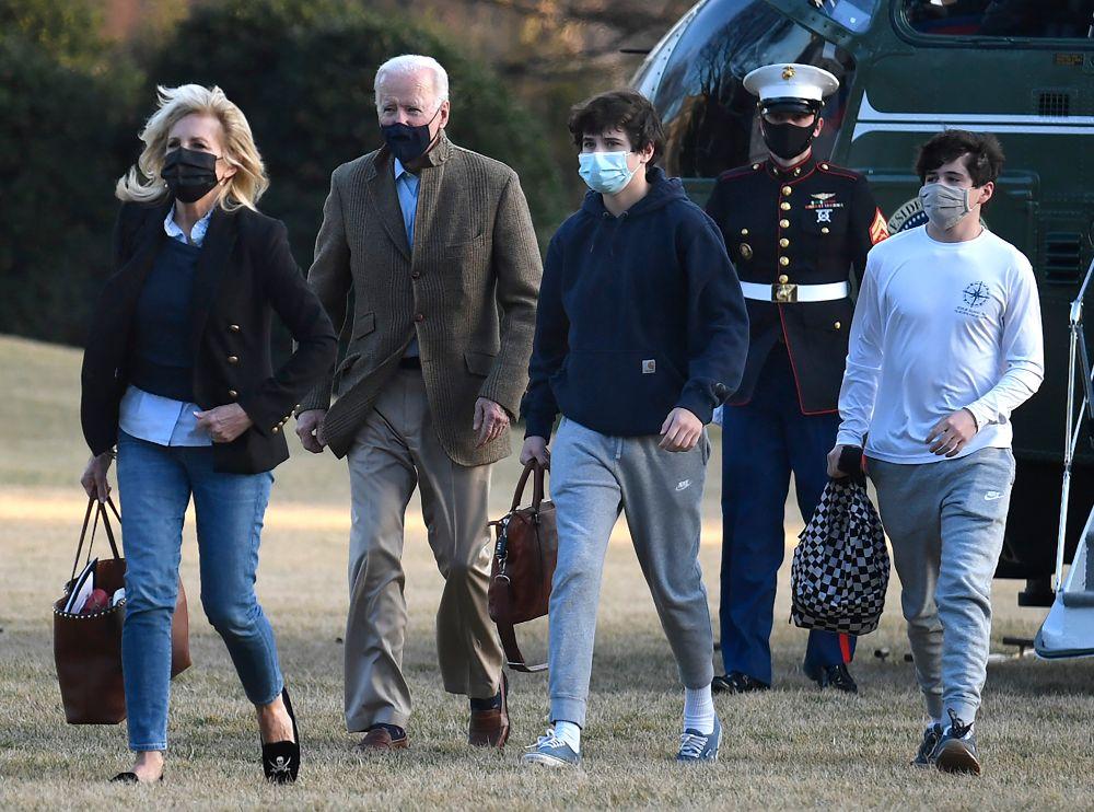 jill biden, skinny jeans, jeans, grandkids, sweater, blazer, joe biden, loafers, natalie, hunter, white house