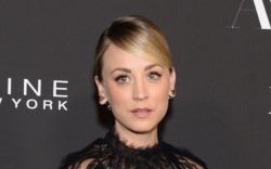 kaley cuoco, lace dress, instyle awards