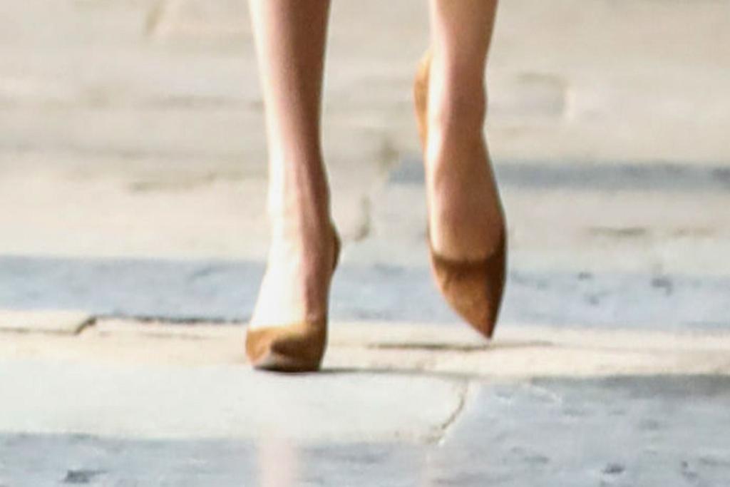 kate middleton, brown heels