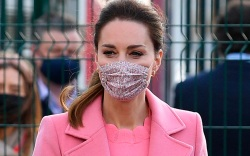 kate middleton, pink coat, pink shirt,