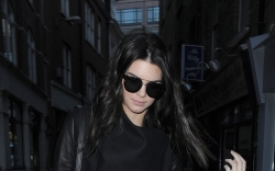kendall jenner, leather pants, black top