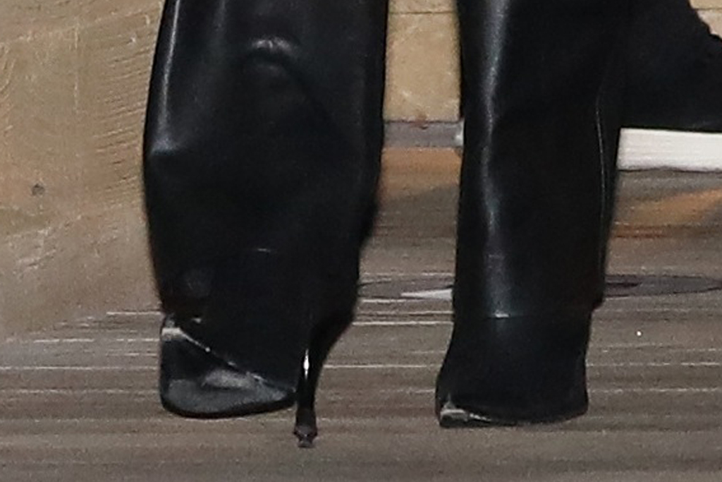 kourtney kardashian, leather pants, cutout pants, glitter jacket, purse, boots, heels, los angeles, date, dinner, travis barker