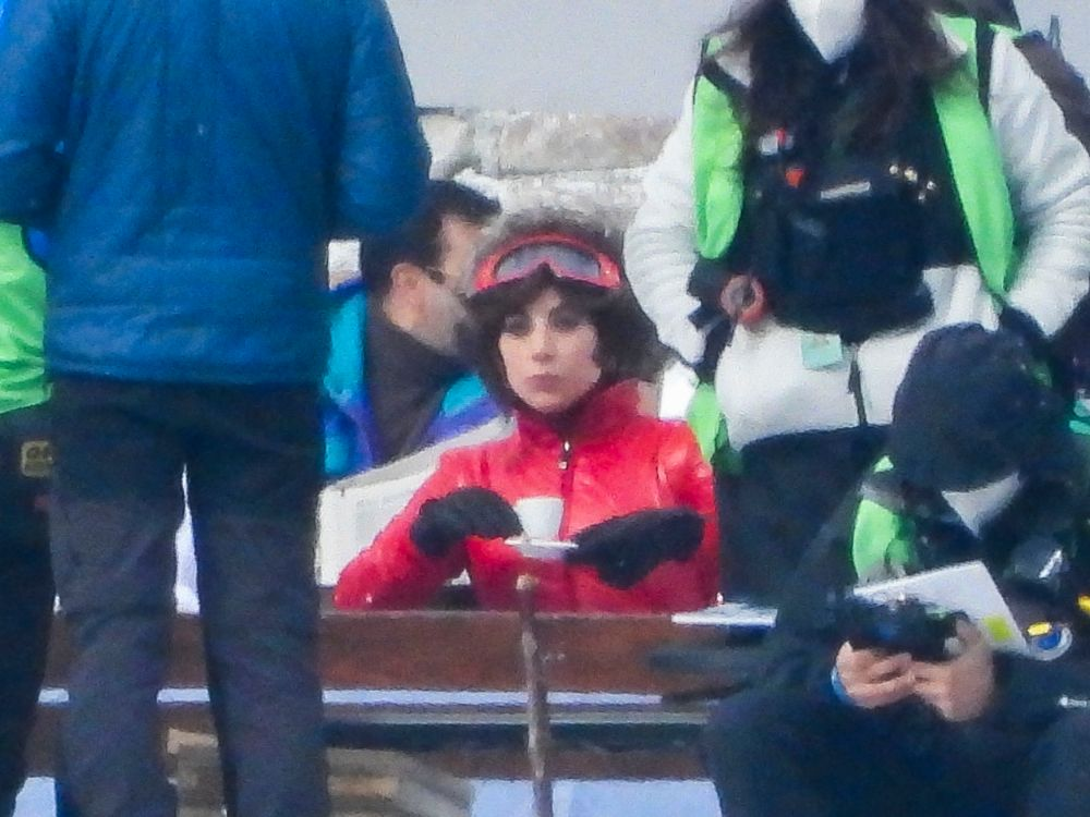 lady gaga, catsuit, red jumpsuit, ski, slopes, italy, gucci movie, snow boots