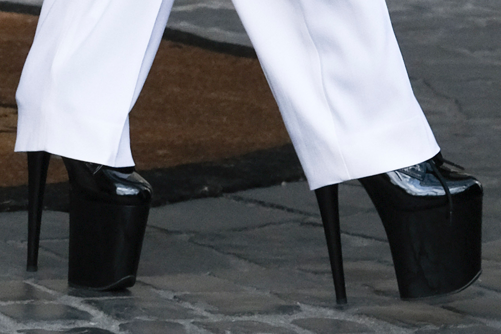 lady gaga, suit, italy, movie, high-waisted pants, white suit, boots, platform boots, heels, gucci