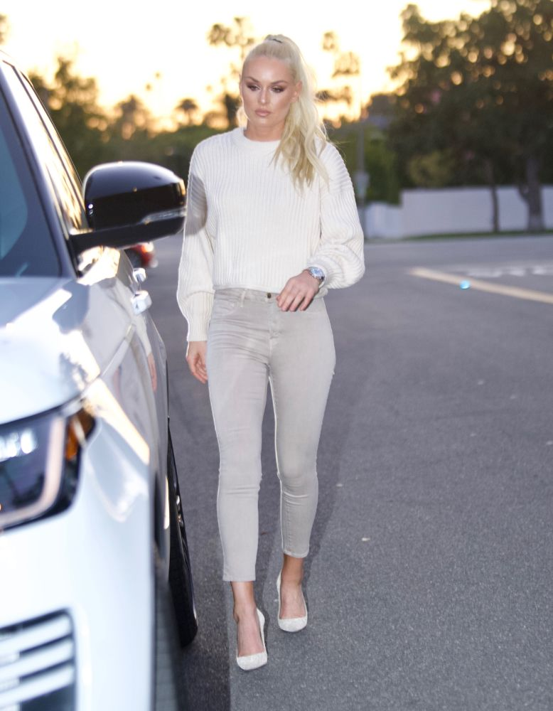 lindsey vonn, skinny jeans, jeans, sweater, heels, glitter, los angeles, friend, house
