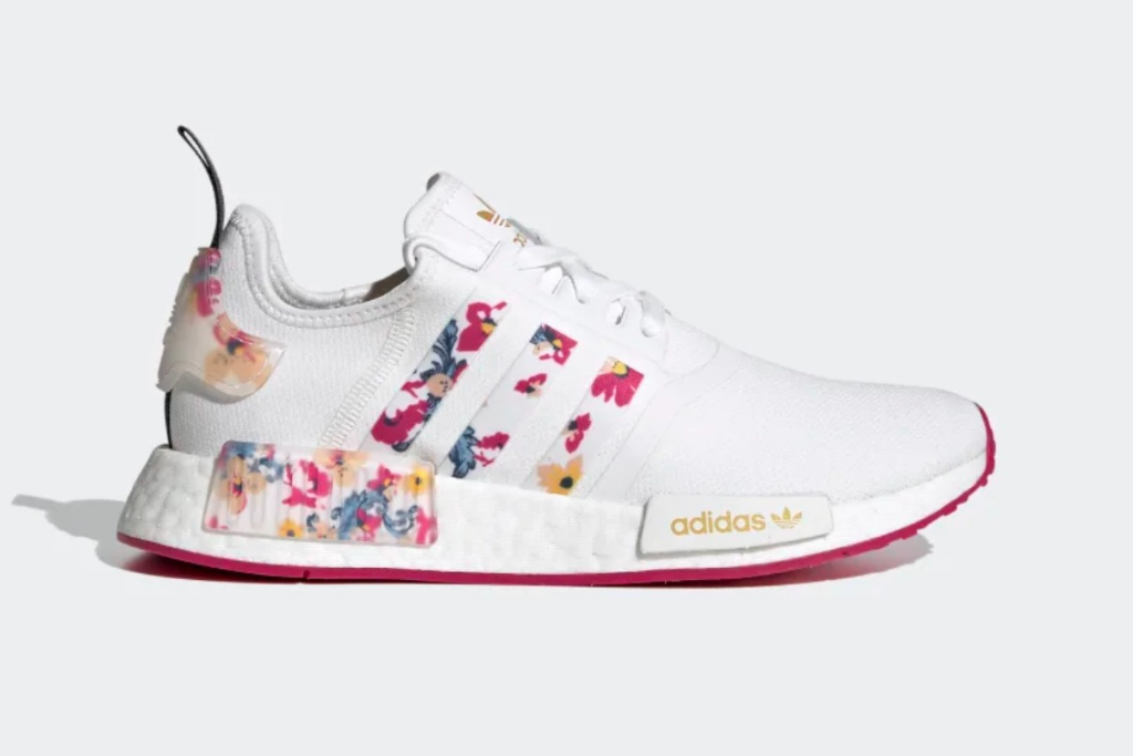 Adidas NMD R1 Shoes in Cloud White/ Bold Pink/ Legend Ink