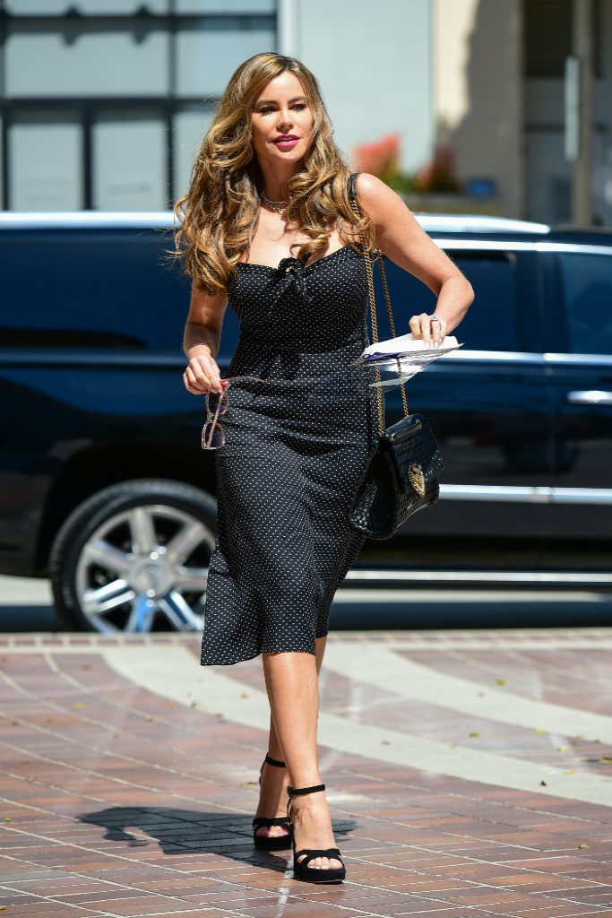 Sofia Vergara, Polka Dot Dress, Black Heels, Los Angeles