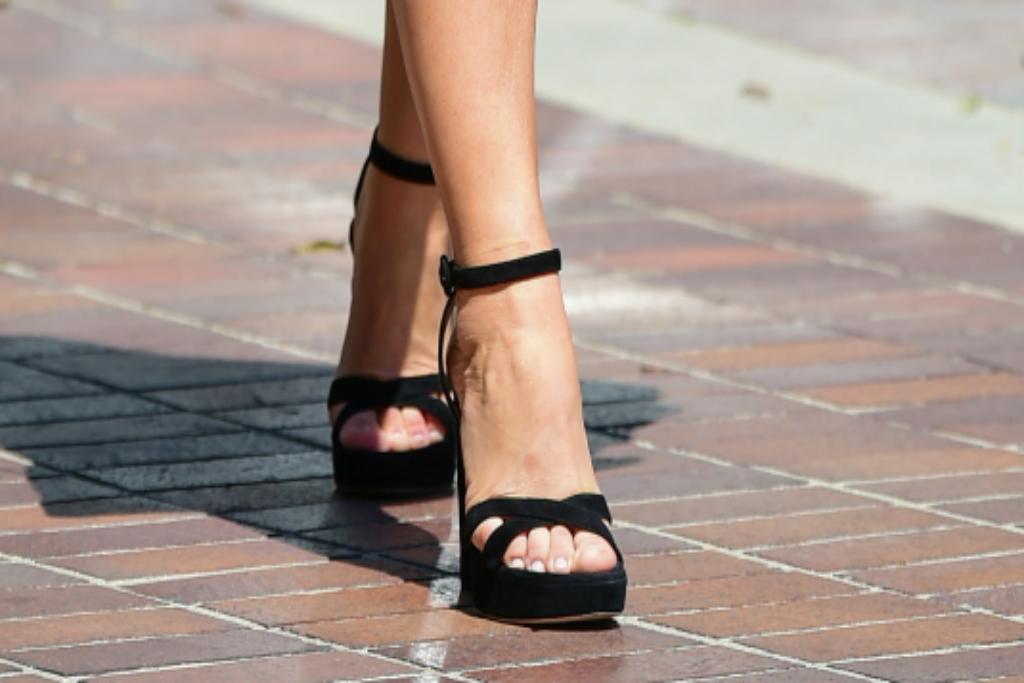 Sofia Vergara, Black Heels, Platform Heels