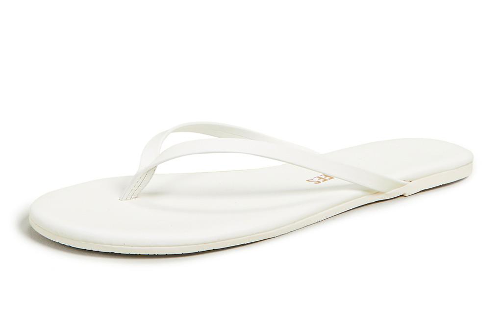white flip flops, tkees