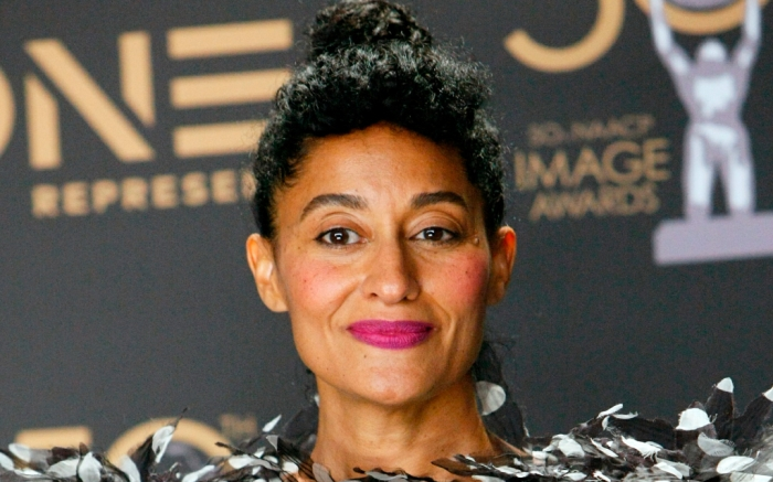 tracee-ellis-ross-feathers-1