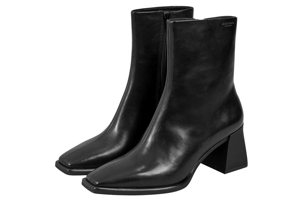 black boots, square toe, vagabond