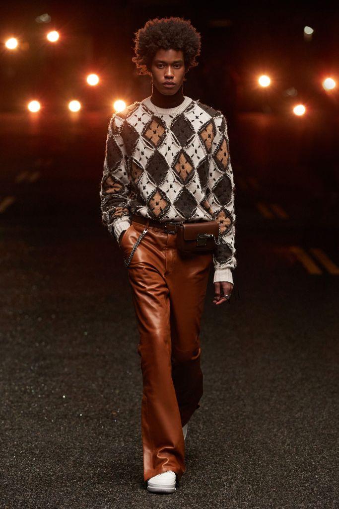 amiri, amiri fall 2021, fall 2021, amiri menswear, men's fashion, fall 2021 menswear, mike amiri, amiri jeans, amiri shoes, amiri fashion, fashion, shoes, trends
