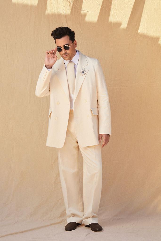 Dan Levy, Suit, Brown Loafers, SAG Awards 2021
