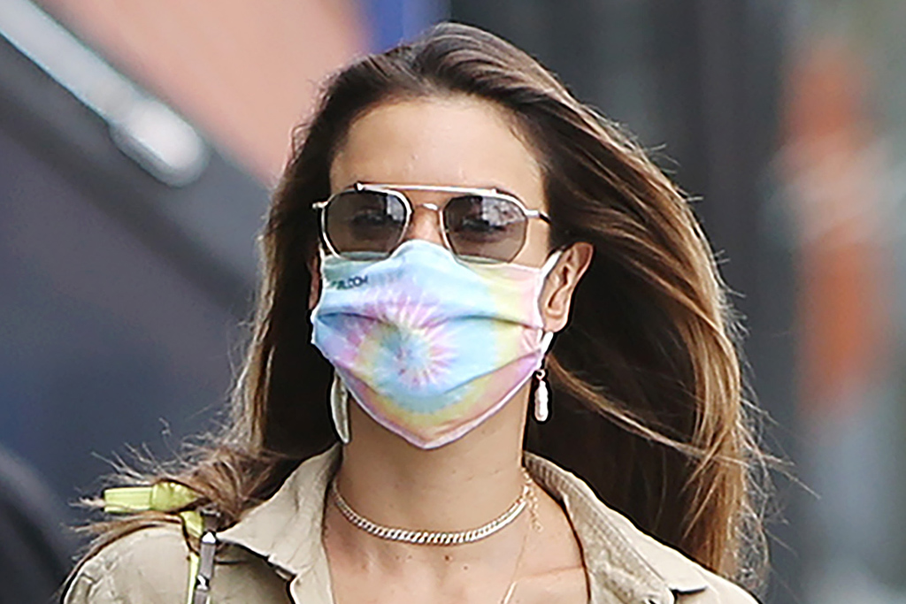 Alessandra Ambrosio Elevates Gym Style in a Neon Leggings Set & Classic Slip-On Sneakers