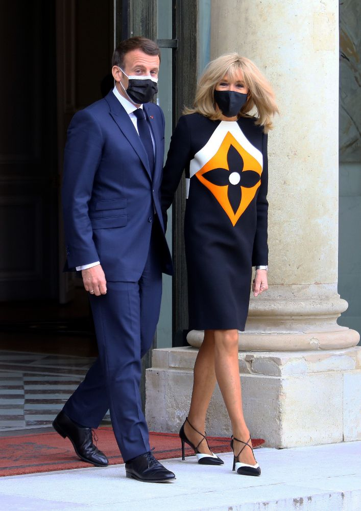 brigitte macron, dress, outfit, heels, navy, yellow, white, emmanuel macron, first lady, france, ukrainian president, paris